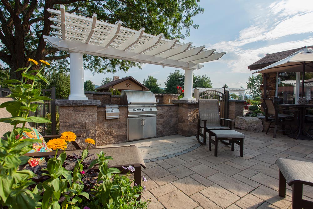Outdoor Kitchen Area-2817